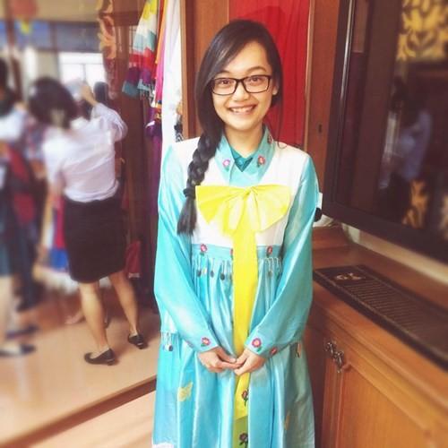 Tiết lộ về cô gái Việt tặng hoa Tổng thống Obama - ảnh 4