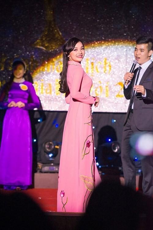 Tiết lộ về cô gái Việt tặng hoa Tổng thống Obama - ảnh 5