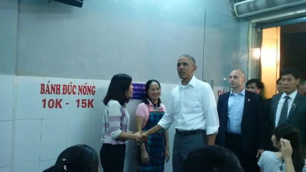 Tổng thống Mỹ Obama thưởng thức bún chả Lê Văn Hưu - ảnh 1