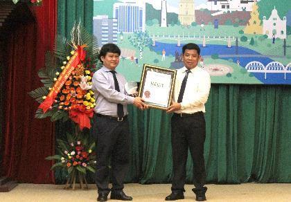 """nhận bằng công nhận """"Thành phố Xanh Quốc gia năm 2016"""""""