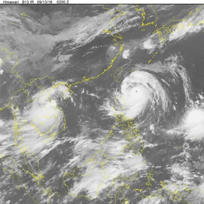 Xuất hiện siêu bão có sức gió giật trên cấp 17 gần Biển Đông - ảnh 1