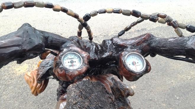 Mô tô bằng gốc cây của nông dân Lâm Đồng khiến dân chơi xe sửng sốt - ảnh 8