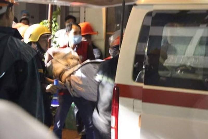 Thi thể nạn nhân vụ cháy quán karaoke để ở BV 198 - ảnh 2