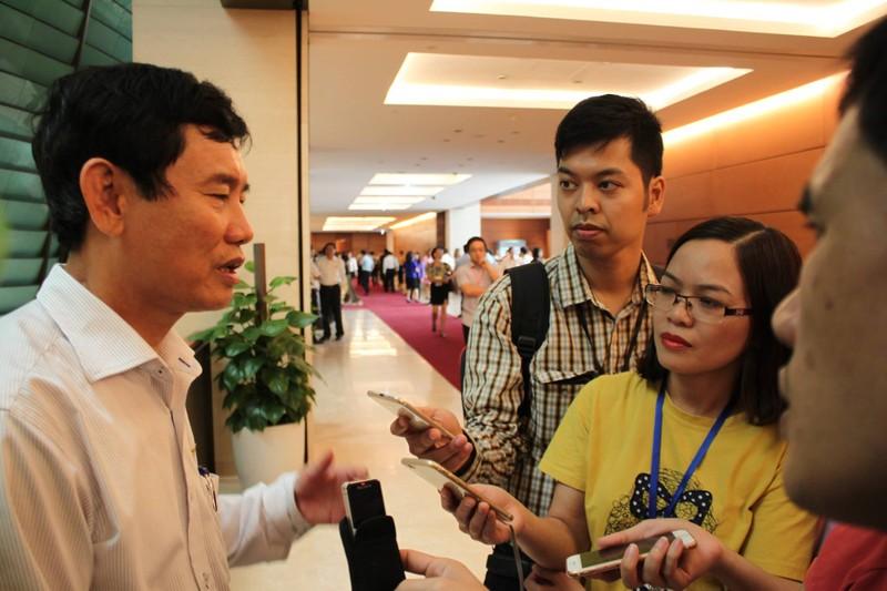 Bớt xén tiền hỗ trợ của ngư dân Quảng Bình, xử thế nào? - ảnh 1