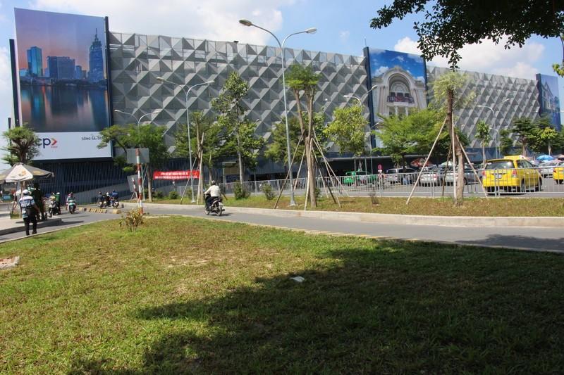 Hoàn thành bãi xe 550 tỉ đồng ở sân bay Tân Sơn Nhất - ảnh 1