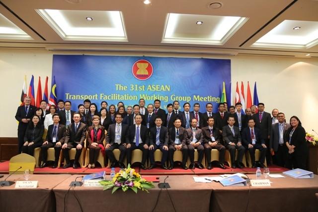 Việt Nam tạo thuận lợi vận tải hành khách qua biên giới - ảnh 1