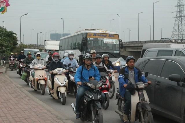 Xe cá nhân tăng cao là một trong những nguyên nhân làm tăng tai nạn