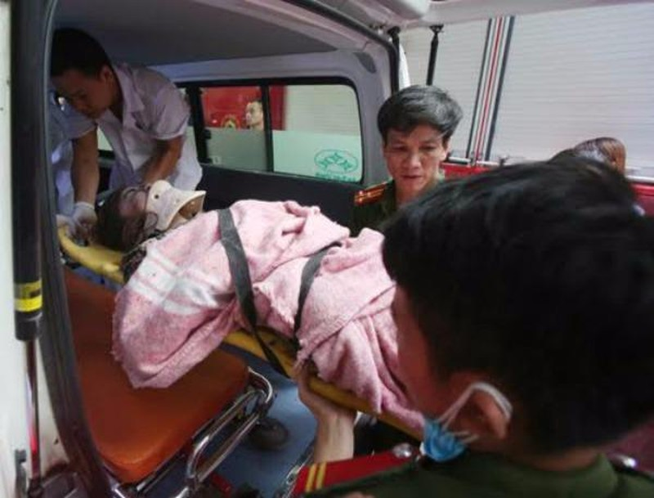 Sập nhà 4 tầng ở Hà Nội: 2 người tử vong - ảnh 17