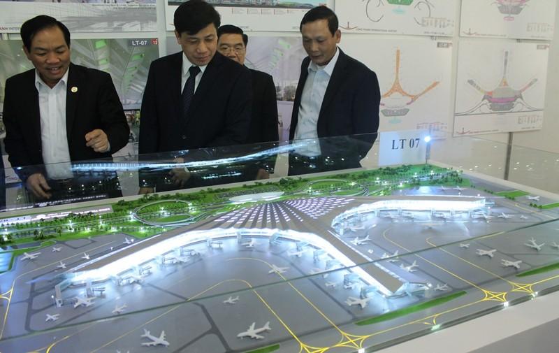 Sân bay Long Thành: 'Nhìn hình ảnh 3D thì đẹp vậy thôi' - ảnh 1
