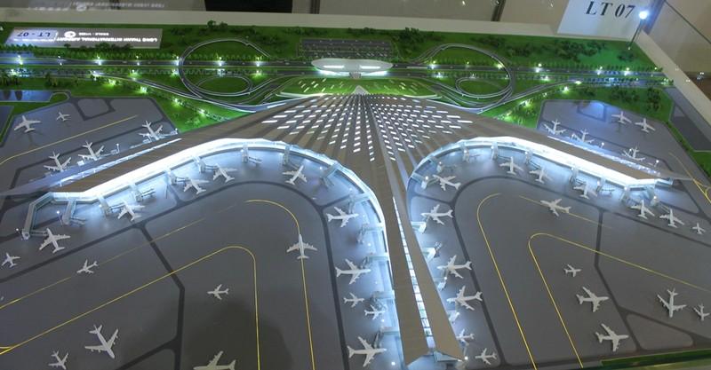 Sân bay Long Thành: 'Nhìn hình ảnh 3D thì đẹp vậy thôi' - ảnh 3