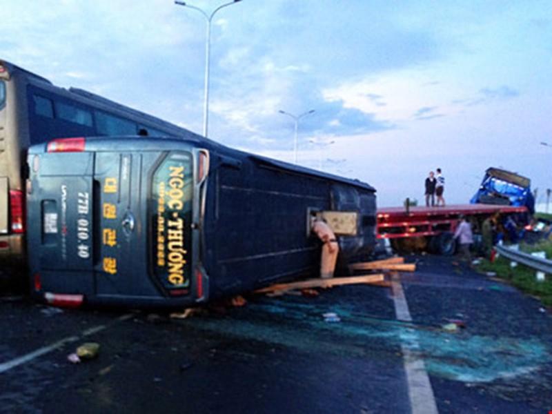Hiện trường vụ tai nạn trên cao tốc. Ảnh: Tiến Dũng
