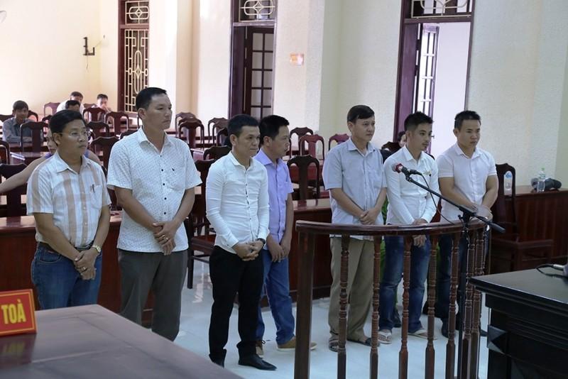 Nguyên bí thư Đảng ủy phường đánh bạc lãnh án - ảnh 1