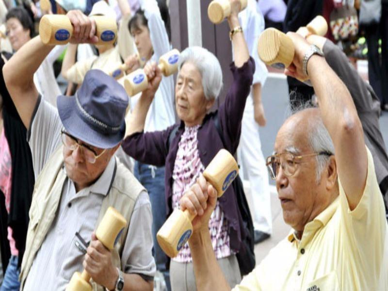 Đối tượng nào được tăng tuổi nghỉ hưu trước theo lộ trình? - Ảnh 1.