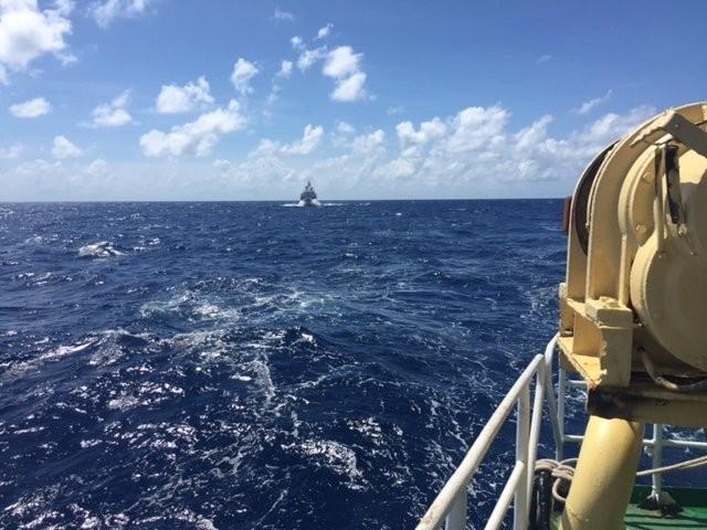 Việt Nam làm rõ việc tàu chiến Trung Quốc đe dọa tàu Việt Nam - ảnh 1