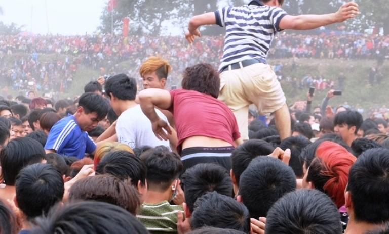 Các địa phương có lễ hội bạo lực phải báo cáo Bộ VH-TT&DL - ảnh 1