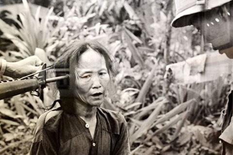 'Ký ức chiến tranh' và những hình ảnh gây sốc - ảnh 1