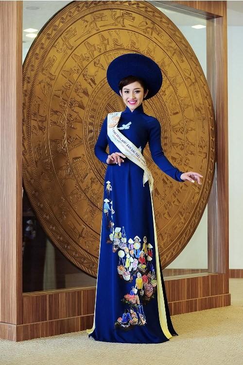 Thí sinh Hoa hậu bản sắc Việt đẹp nền nã trong trang phục áo dài - ảnh 3