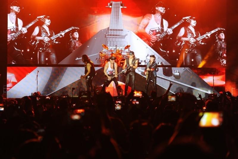 10.000 khán giả cuồng nhiệt với huyền thoại Scorpions - ảnh 2