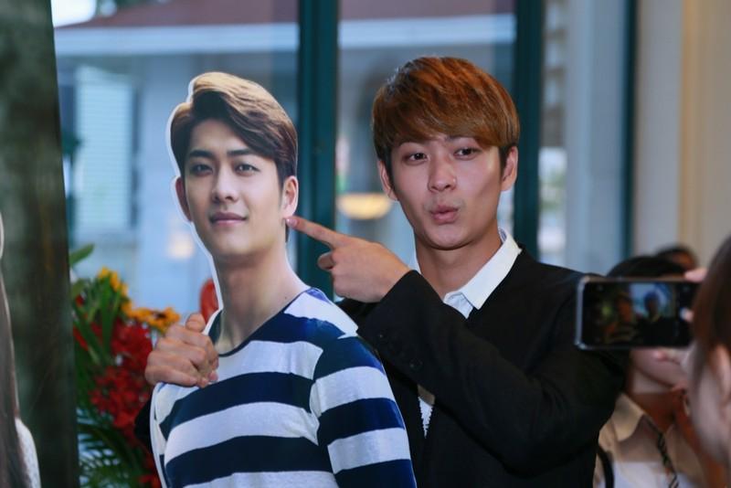 Kang Tae Oh: 'Nhã Phương hôn thiếu chuyên nghiệp' - ảnh 1