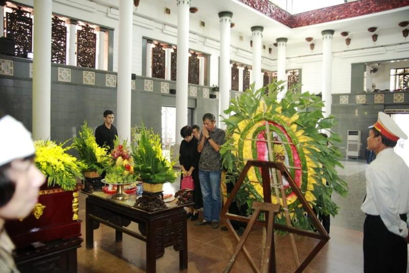 Nghệ sĩ miền Bắc nghẹn ngào tiễn 'sếp hói' Phạm Bằng - ảnh 2