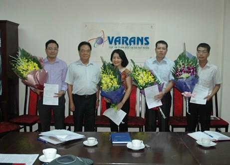 Ông Vương Hữu Tấn trong một lần trao quyết định bổ nhiệm cán bộ tại Cục AT&BXHN. Ảnh Cục AT&BXHN.