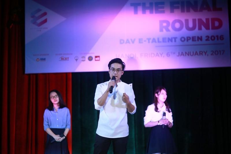 Sinh viên Hà Nội hùng biện về bầu cử Tổng thống Mỹ  - ảnh 1