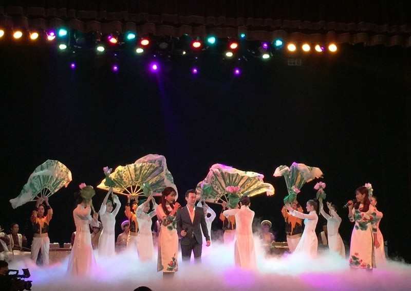 Nhà hát lớn Hà Nội chính thức mở cửa, giá vé 400.000 - ảnh 5
