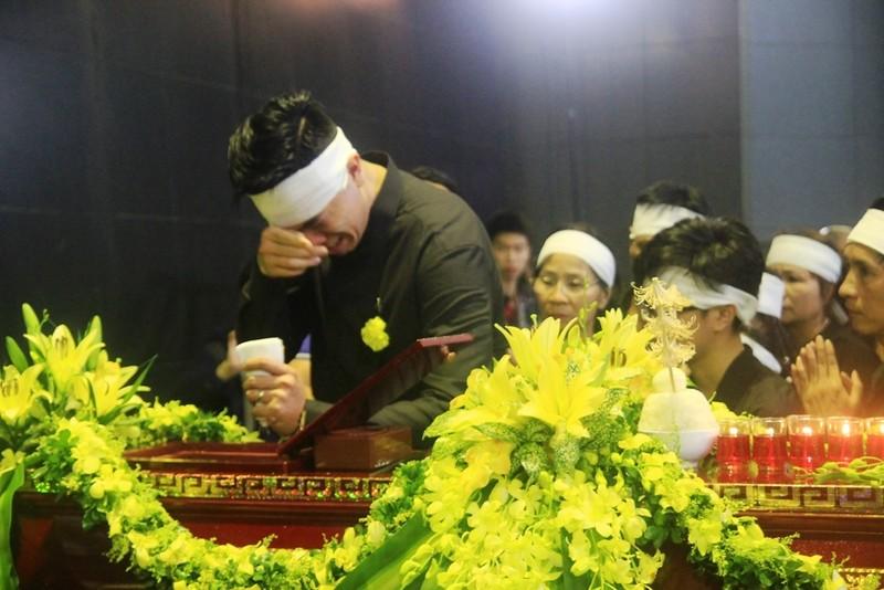 Tiếng khóc nghẹn ở lễ tang nhà giáo Văn Như Cương - ảnh 6