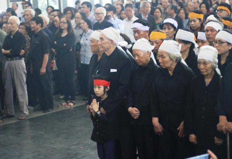 Gia đình cụ Hoàng Thị Minh Hồ tặng lại tiền phúng điếu - ảnh 3
