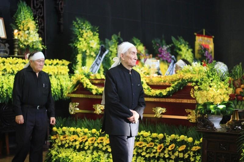 Gia đình cụ Hoàng Thị Minh Hồ tặng lại tiền phúng điếu - ảnh 5
