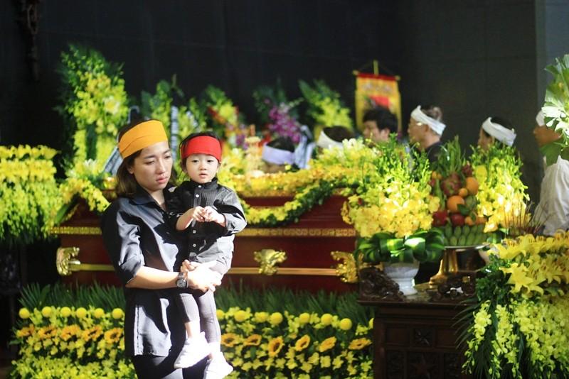 Gia đình cụ Hoàng Thị Minh Hồ tặng lại tiền phúng điếu - ảnh 6