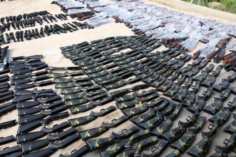 Bắt xe tải chở gần 400 khẩu súng hơi cùng ống giảm thanh - ảnh 1