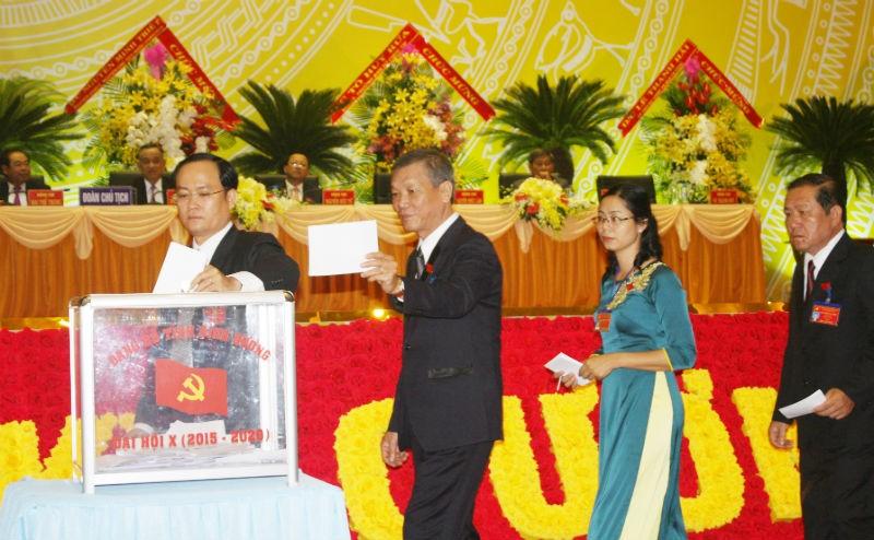 Bầu 52 thành viên vào BCH Đảng bộ tỉnh Bình Dương khóa X - ảnh 1