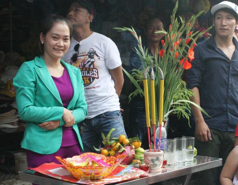 Hàng vạn người đổ về dự lễ rước kiệu chùa Bà Bình Dương  - ảnh 7