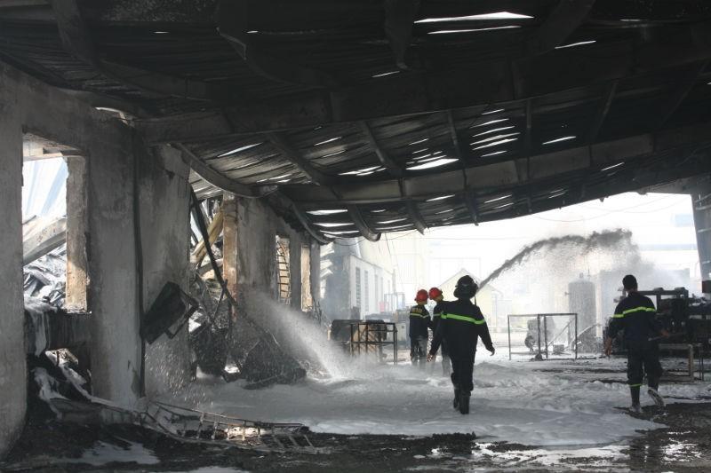 Cháy nổ dữ dội tại công ty hóa chất  - ảnh 2