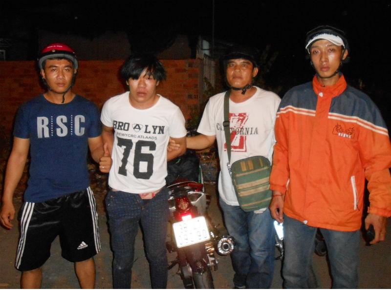 'Hiệp sĩ' truy đuổi hơn 30 km bắt tên trộm xe Exciter - ảnh 1