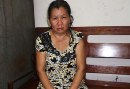 Bắt một phụ nữ chuyên rạch túi, trộm tài sản trong bệnh viện - ảnh 1