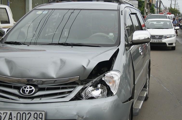 Tai nạn liên hoàn giữa xe cứu thương cùng 4 ô tô khác - ảnh 2