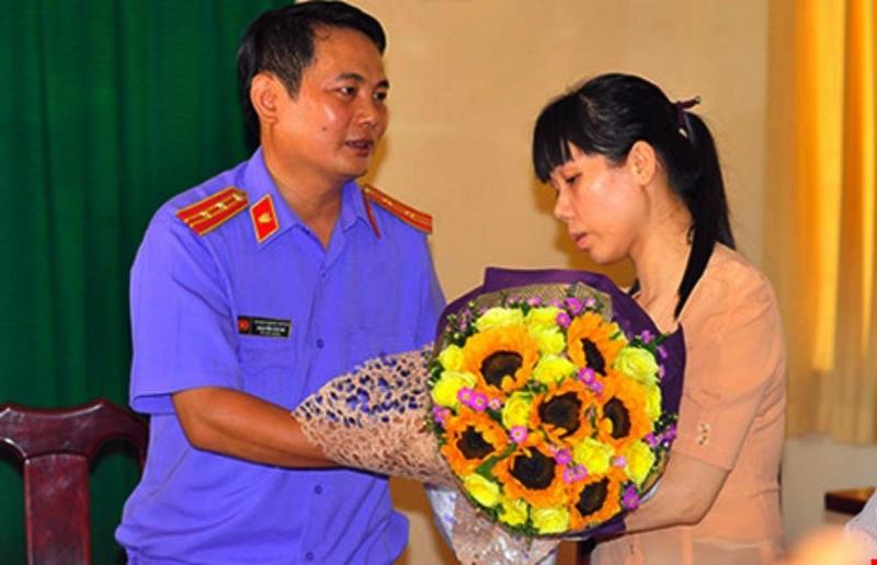 VKSND huyện Nhơn Trạch tổ chức xin lỗi công khai đối với bà Ngọc.