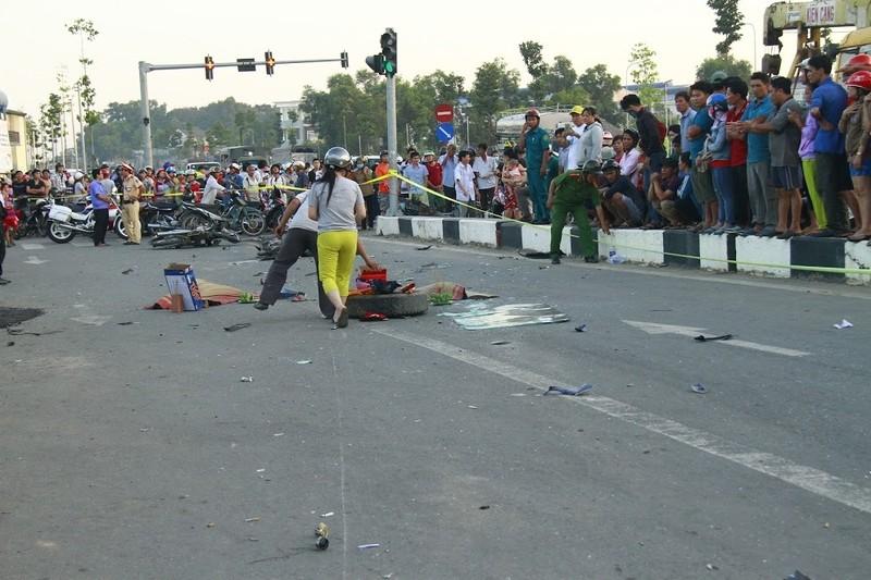 Tai nạn kinh hoàng ở ngã tư, 2 đứa trẻ chết thảm - ảnh 2