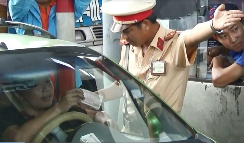 Sáng nay tài xế làm việc CSGT liên quan BOT Biên Hòa - ảnh 1