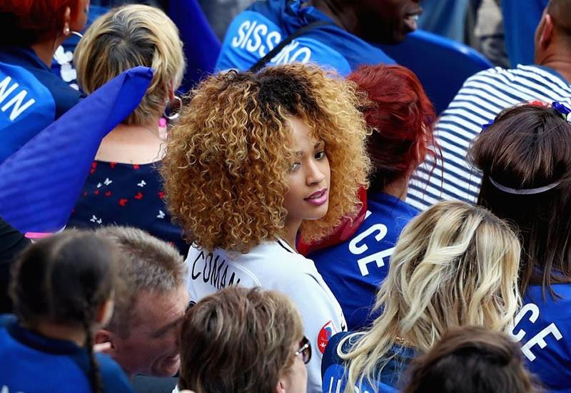 WAGs xinh đẹp và nóng bỏng của tuyển Pháp xuống sân ăn mừng - ảnh 2