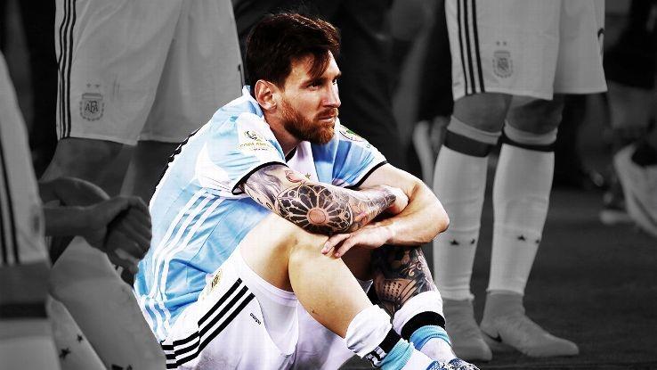 Messi thất vọng nặng nề sau cú đá phạt không thành công