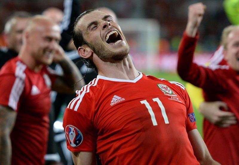 Bale rất hứng khởi khi đối đầu với người đồng đội ở CLB Real Madrid