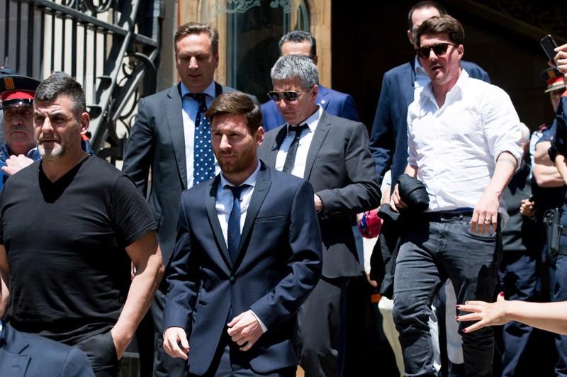 Messi sẽ về Chelsea sau khi bị tuyên 21 tháng tù vì trốn thuế? - ảnh 3