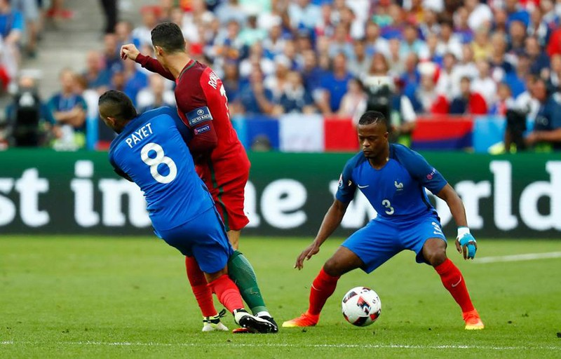 Ronaldo khóc rời sân, Gareth Bale thương cảm! - ảnh 2