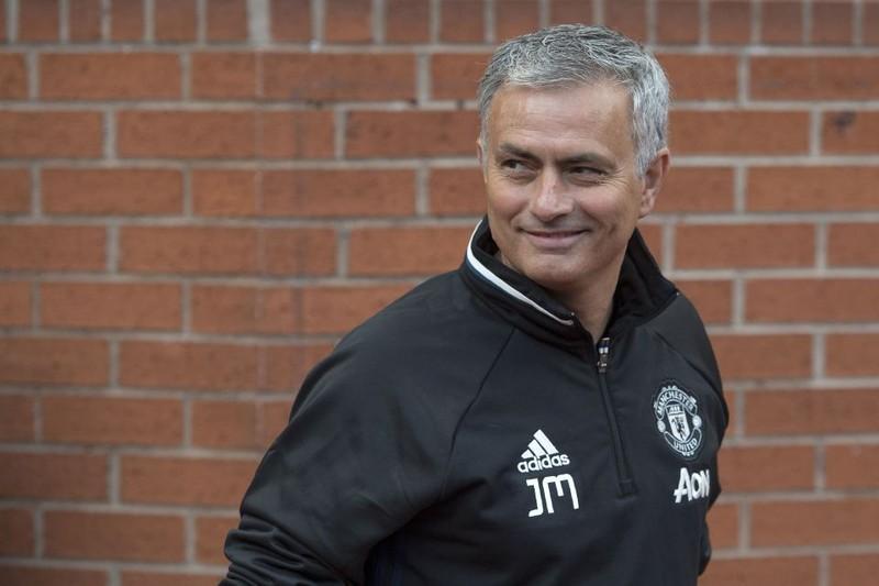 Jose Mourinho gây sốc khi muốn đưa Cesc Fabregas về MU - ảnh 1