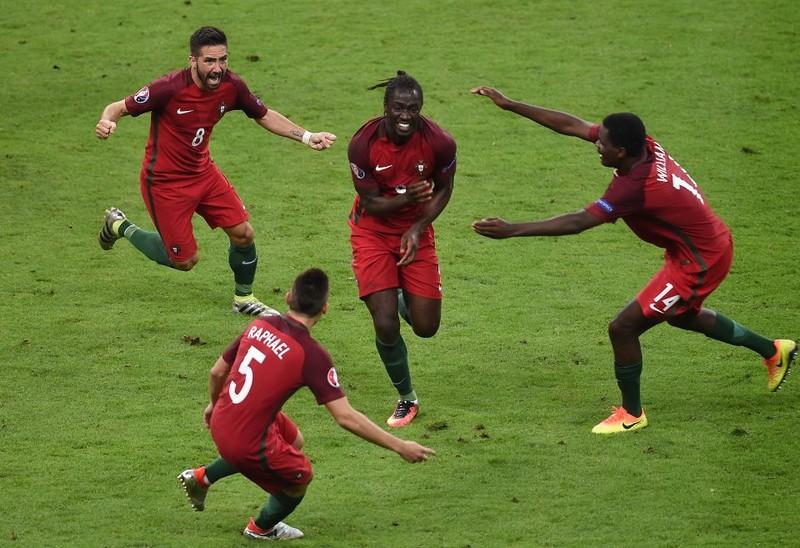 Tiền đạo 28 tuổi vui mừng khi ghi bàn vào đội chủ nhà Pháp