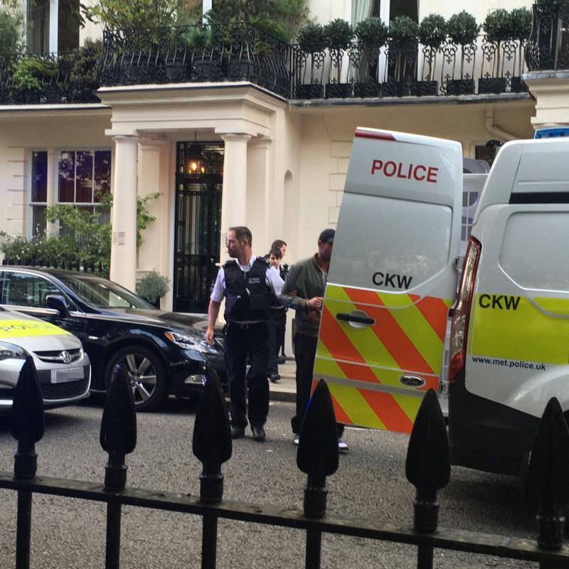 Jose Mourinho chết đứng khi nhìn thấy trộm 'viếng' nhà  - ảnh 3