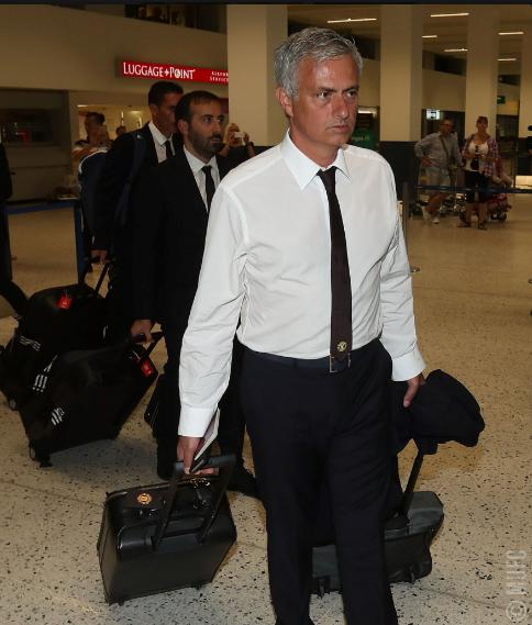 Mourinho cùng 25 tuyển thủ M.U lên đường sang Trung Quốc - ảnh 3